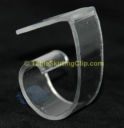 Large Variable Tablecloth Clip for 1.25'' to 2.5'' thick plastic tables